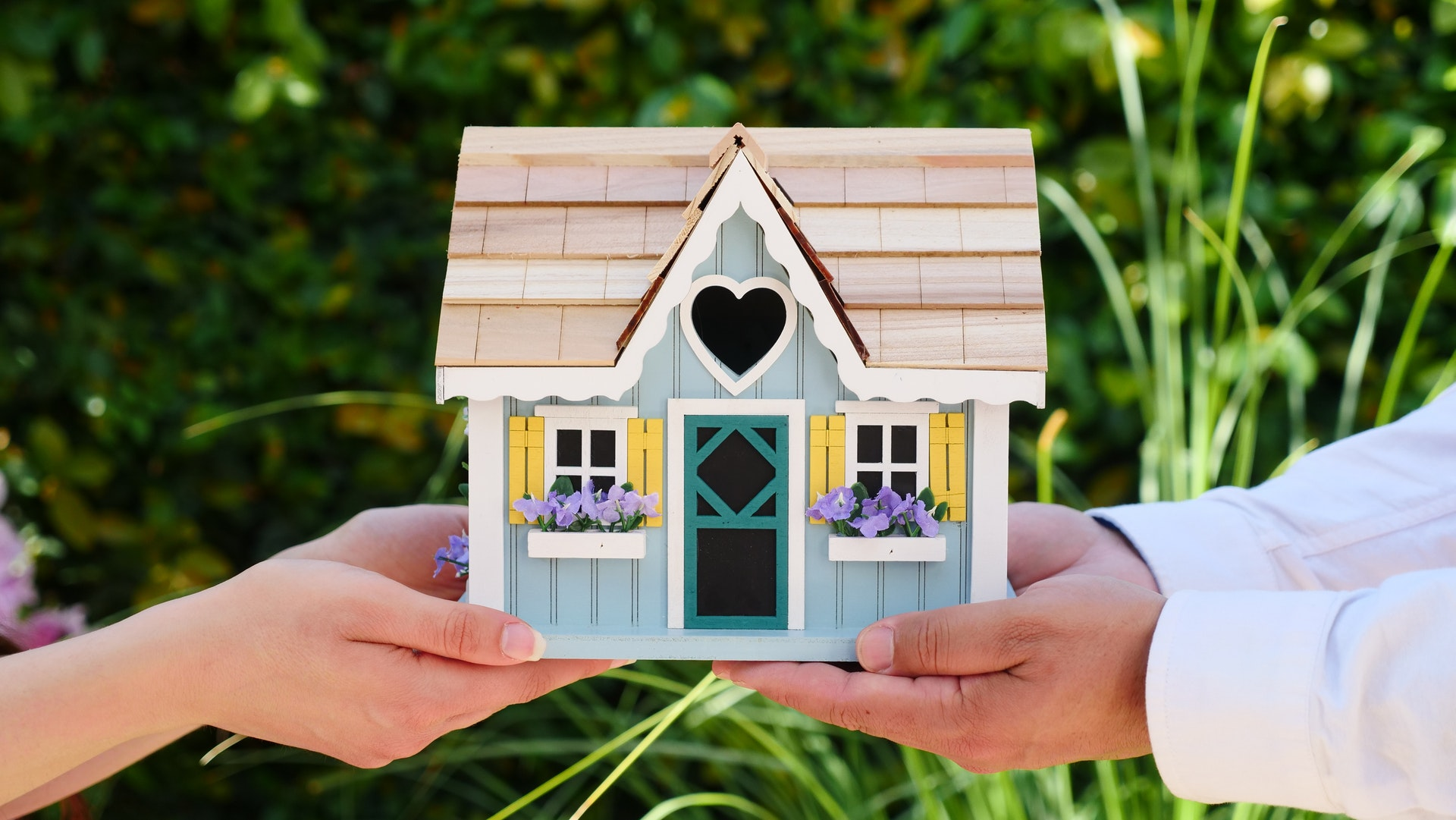 How to Qualify for a Conventional Mortgage